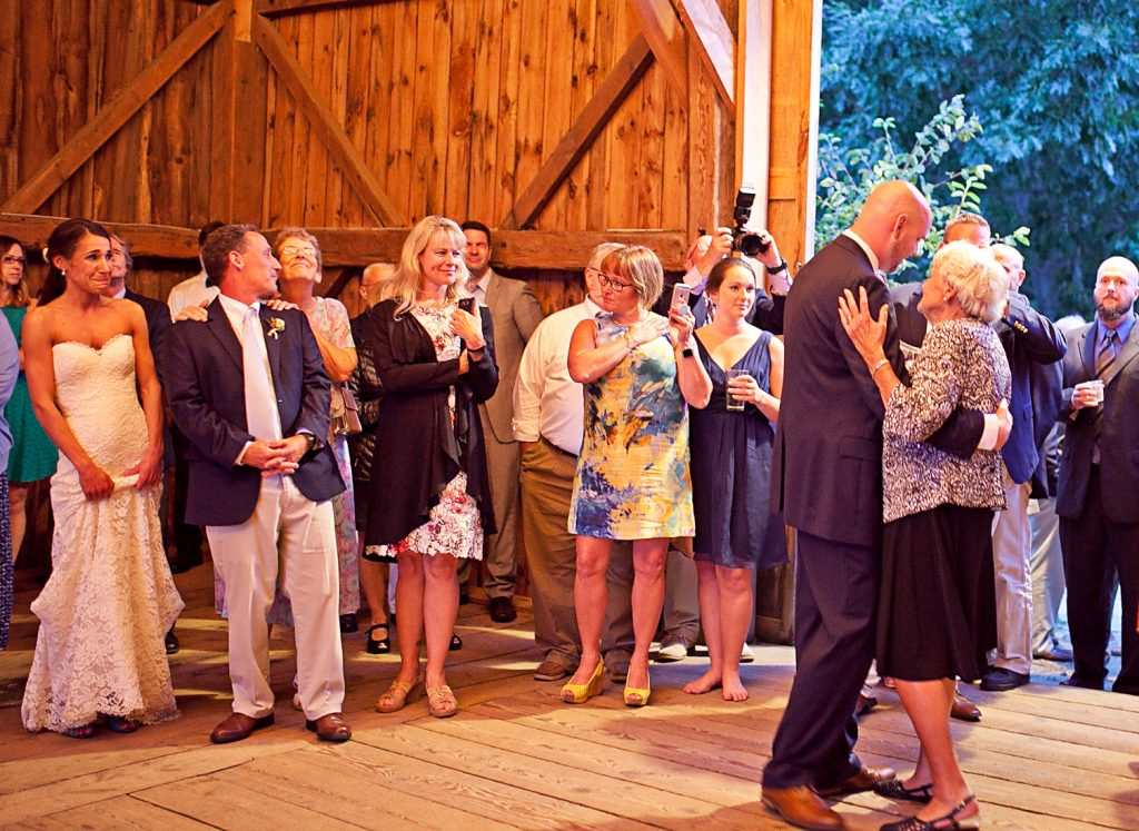 Broadturn Farm Wedding